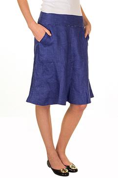 Här ser vi den blåa kjolen från pret