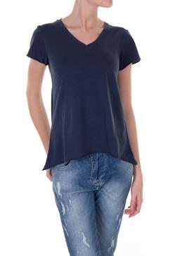 V-ringad svart t-shirt från Line of Oslo