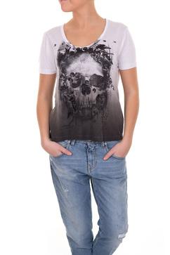 Relgions t-shirt med en vit döskalle och svarta stenar.